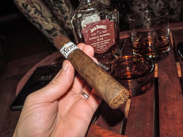 CNM Cigars - Clave Cubana 01