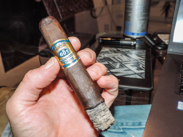 601 - Blue Label Maduro 03