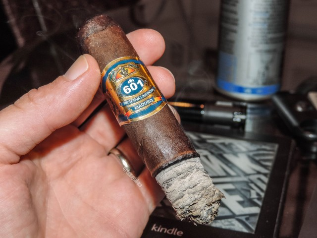 601 - Blue Label Maduro 04