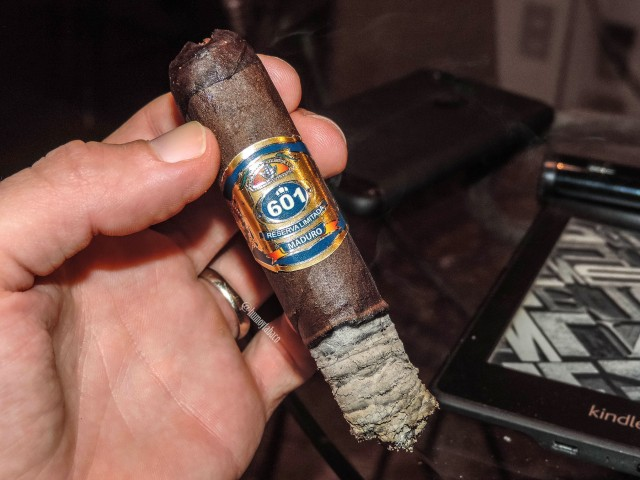 601 - Blue Label Maduro 05