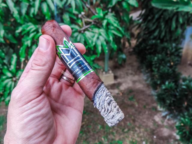 Miami Cigar - Nestor Miranda Habano 04