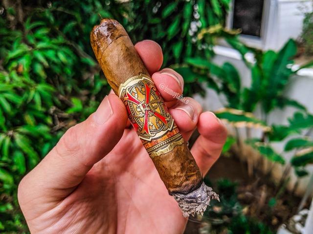 Arturo Fuente - Opus X Doble Corona 05