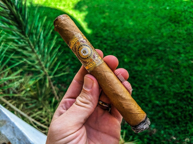 Perdomo - Habano Bourbon Barrel-Aged Connecticut Gordo 02