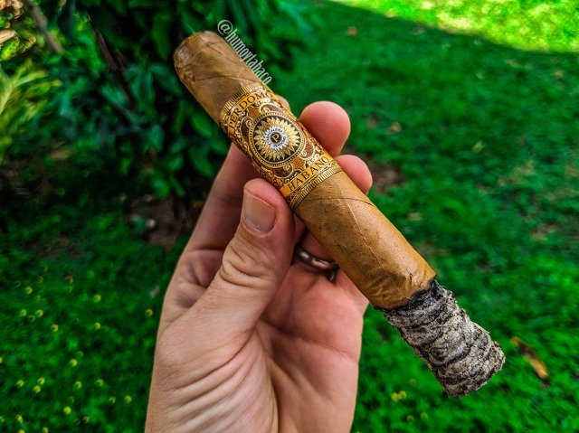 Perdomo - Habano Bourbon Barrel-Aged Connecticut Gordo 03