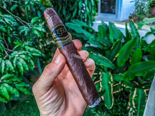 La Flor Dominicana - Chapter One 02